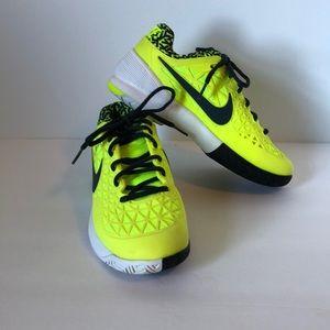 Nike Mens  Dragon Zoom Size 5